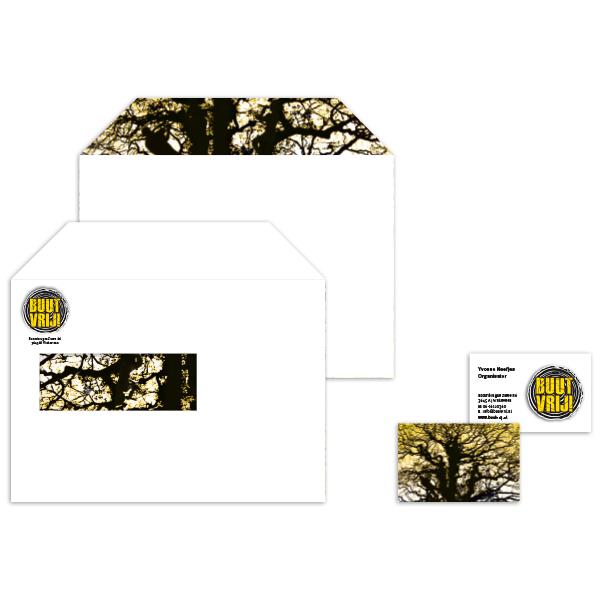 Enveloppen en visitekaartje Buutvrij festival met geel en zwart