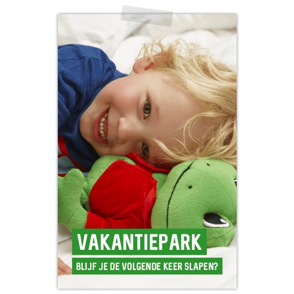 Poster Duinrell voor vakantiepark met kindje en kikkerknuffel